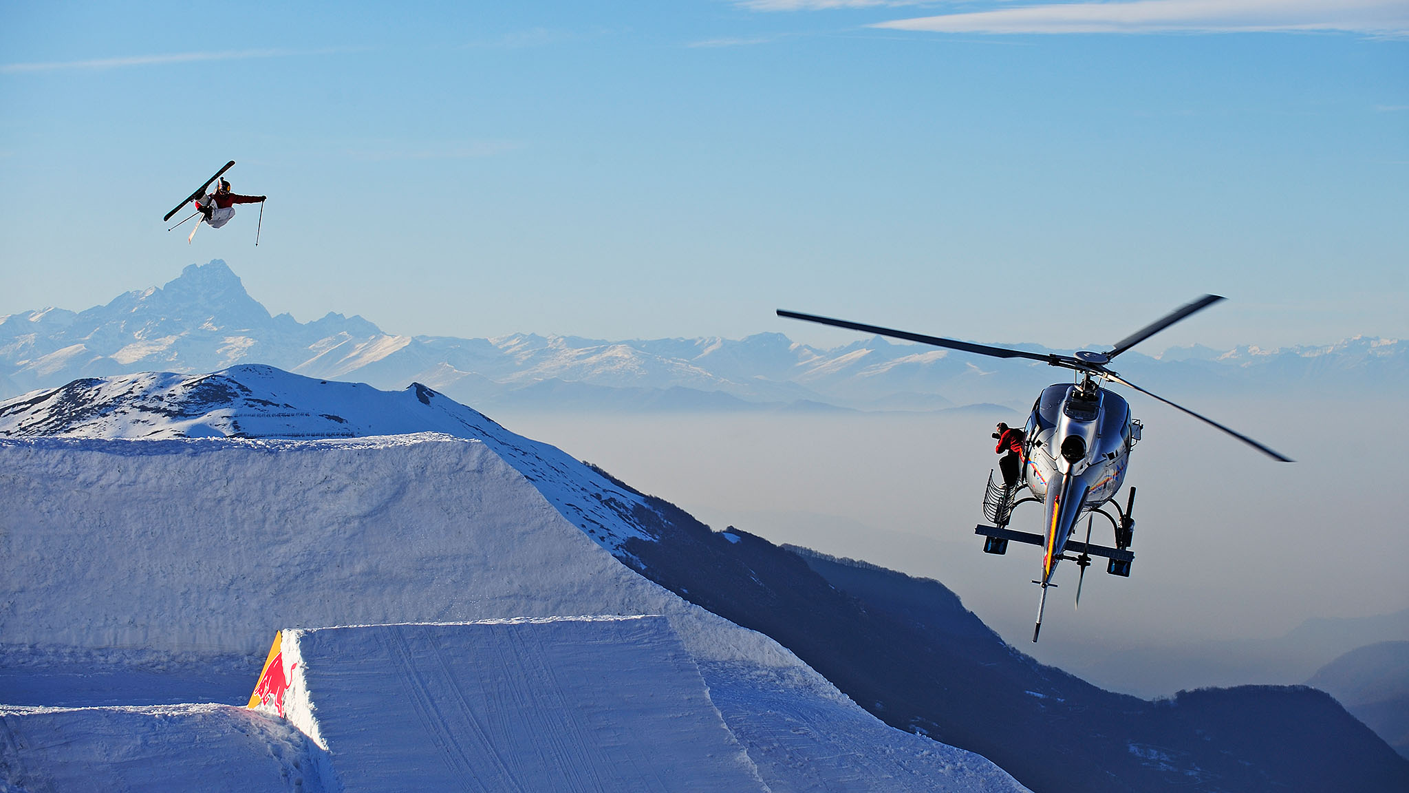HElicopter Charter - We offer helicopter transfers to ALL SKI RESORTS