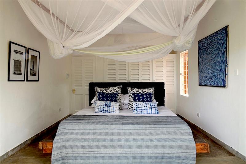 bedroom2bed.jpg