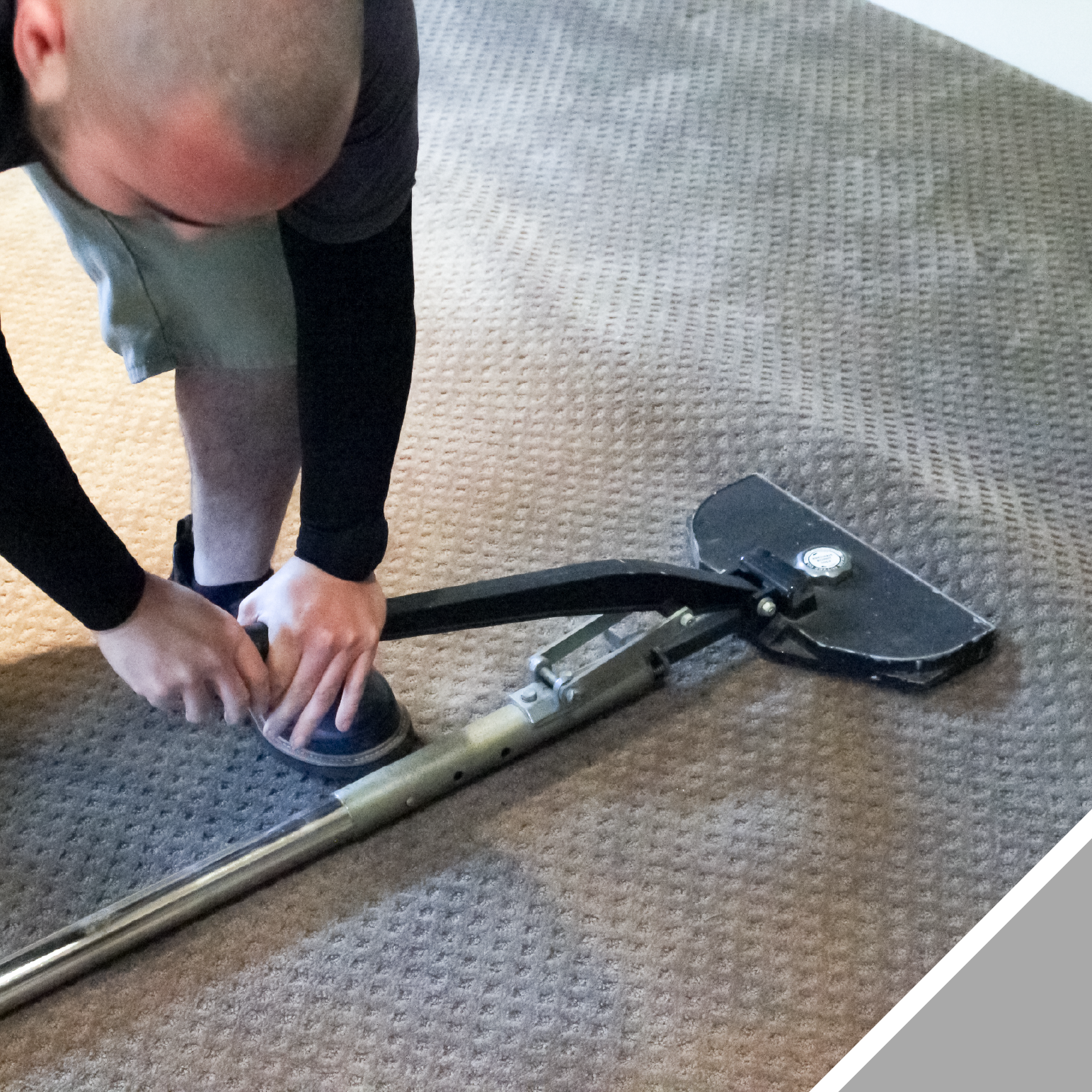 Wrinkles are pushed out from the center of the room to the sides, where the excess carpet can be trimmed off of the edges.