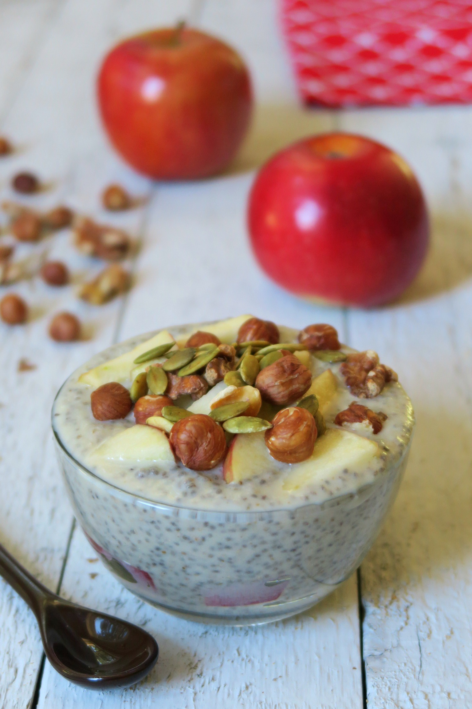 apple-chia-pudding2.jpg