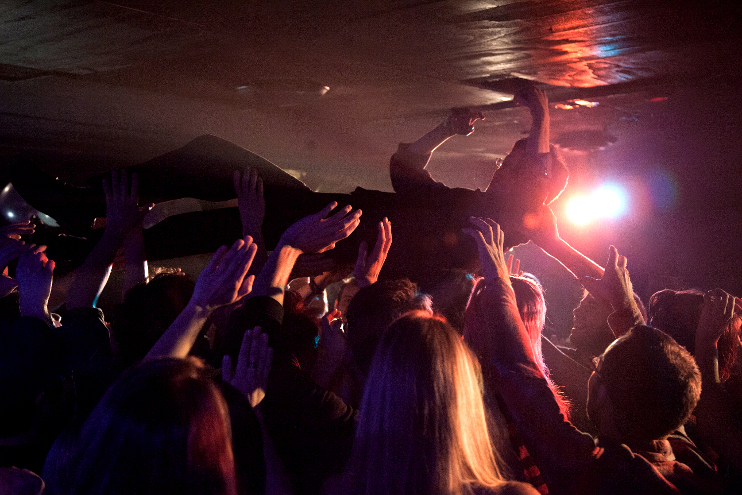Crowd surf 1500.JPG