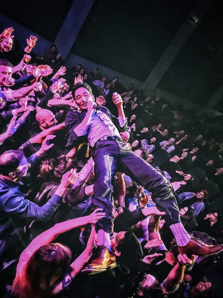 Travis Rio crowdsurf.jpg