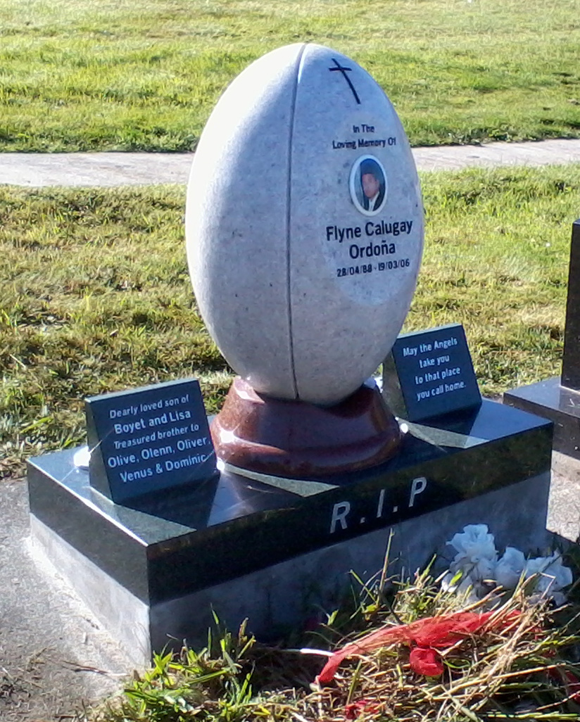 White Pearl Granite Headstone. Rugy Ball. Custom Design (2).jpg
