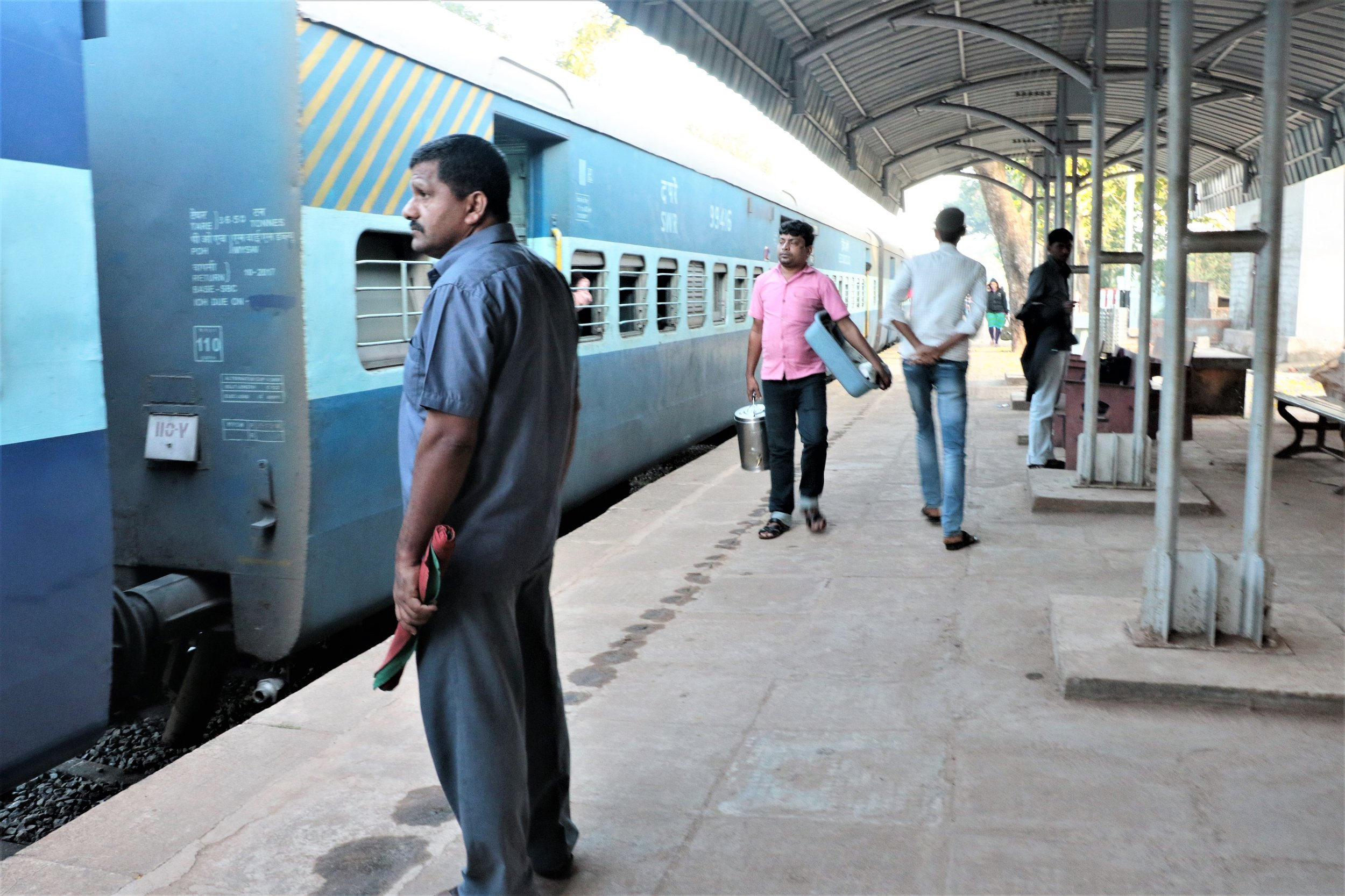 Guard in front of Kannur Express.jpg