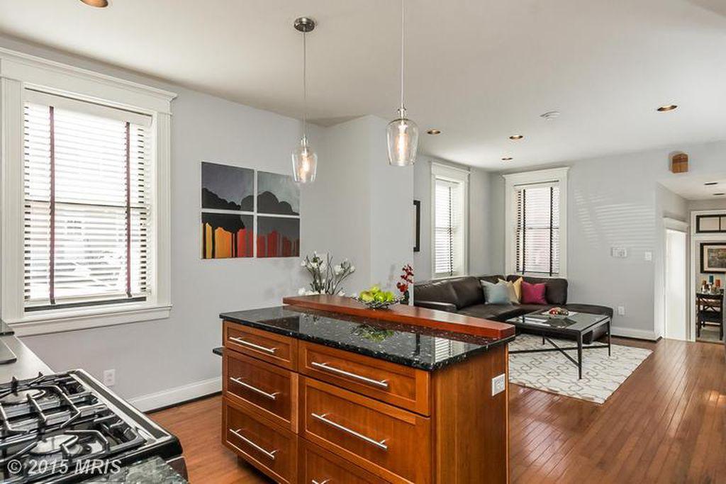 kitchen livingroom 2.jpg