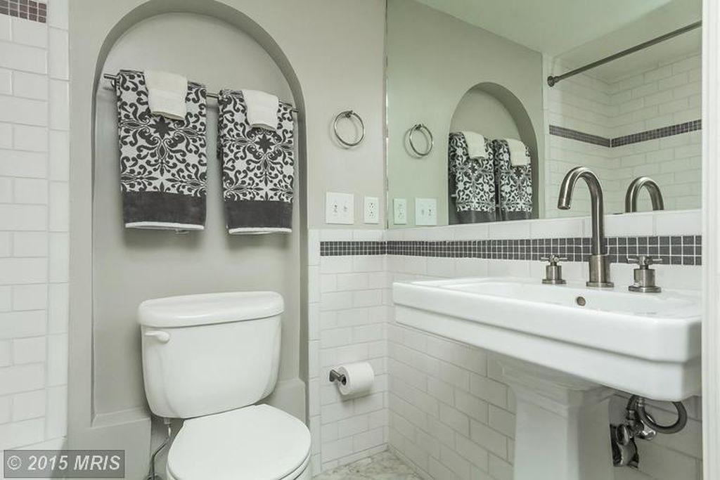 full bath basement.jpg
