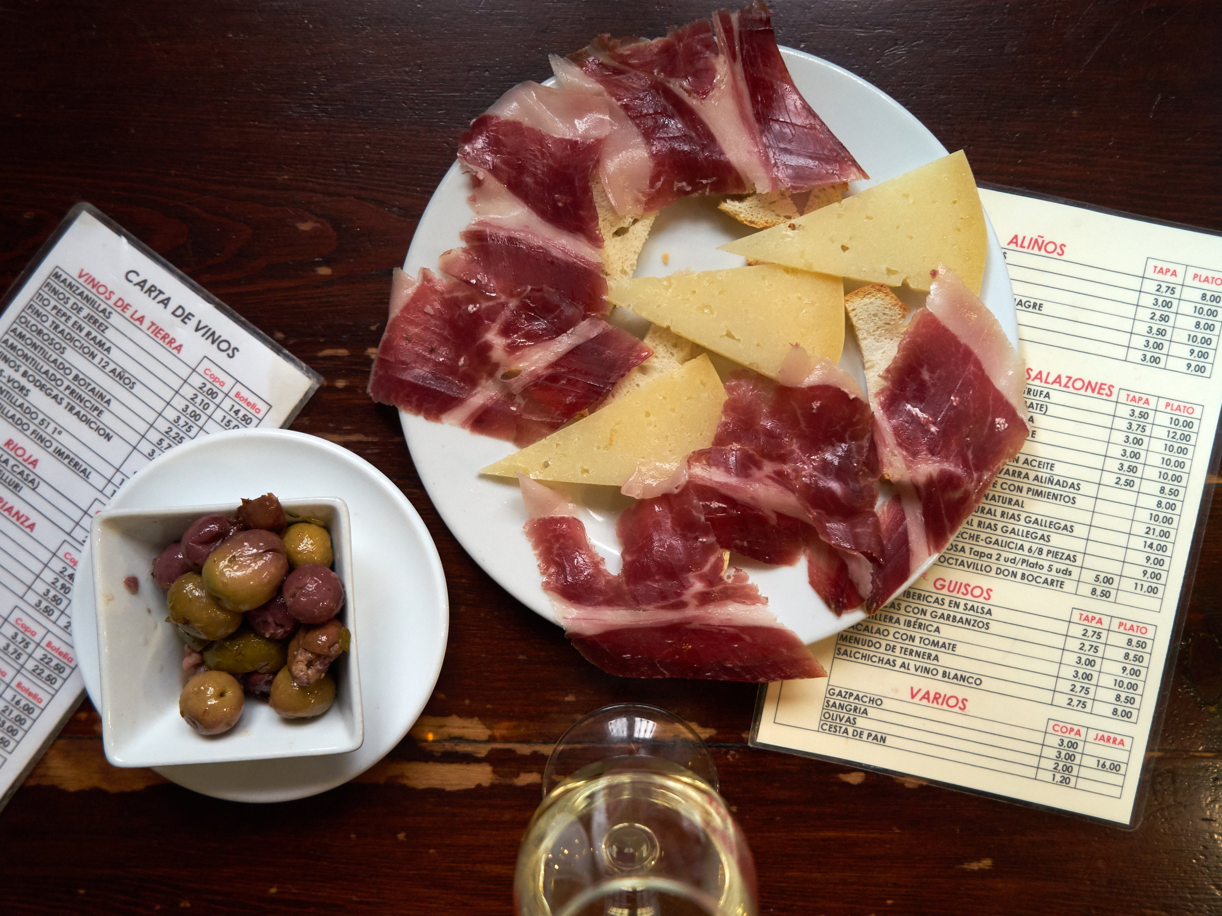 Sevilla bound? Whether you're a budding sherry collector or a lifelong  jamón  enthusiast (or a vegetarian who refuses to settle!),  Pilar  can help you explore beyond the  croqueta .