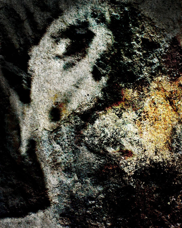 Joseph (2004/09/26/00/15)  2016 archival pigment print 100H x 80W cm / 39 ¼ x 31 ½ in