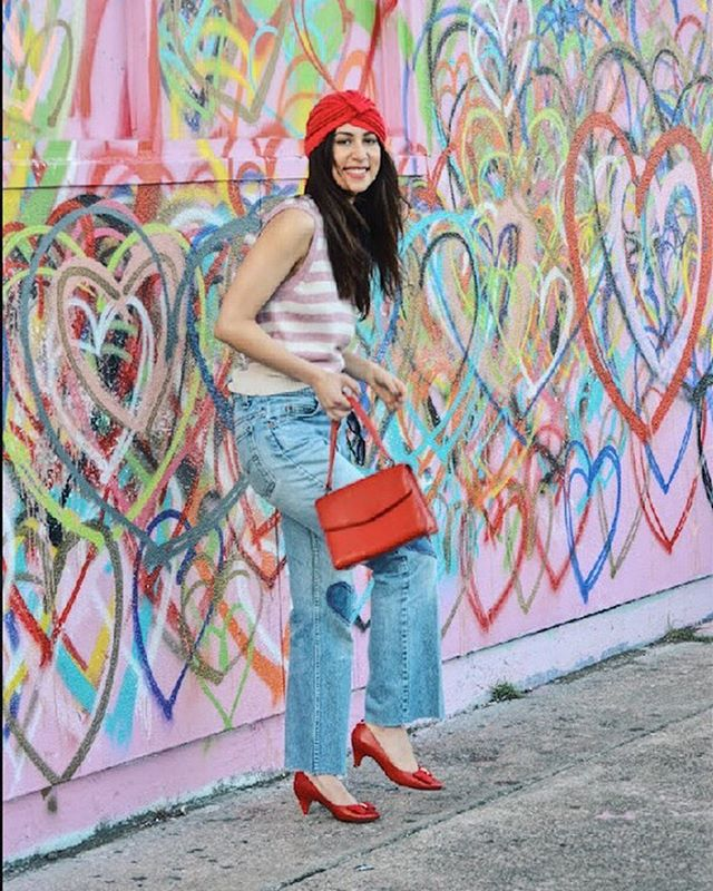Channeling SJP ❤️💛💚💙💜 . . . . . . . #heart #love #fashionblogger #fashionphotography #streetstyle #streetphotography #streetart #models #htown #citylife #citygirl #layal #collabs #denim #vintage #style #bedifferent