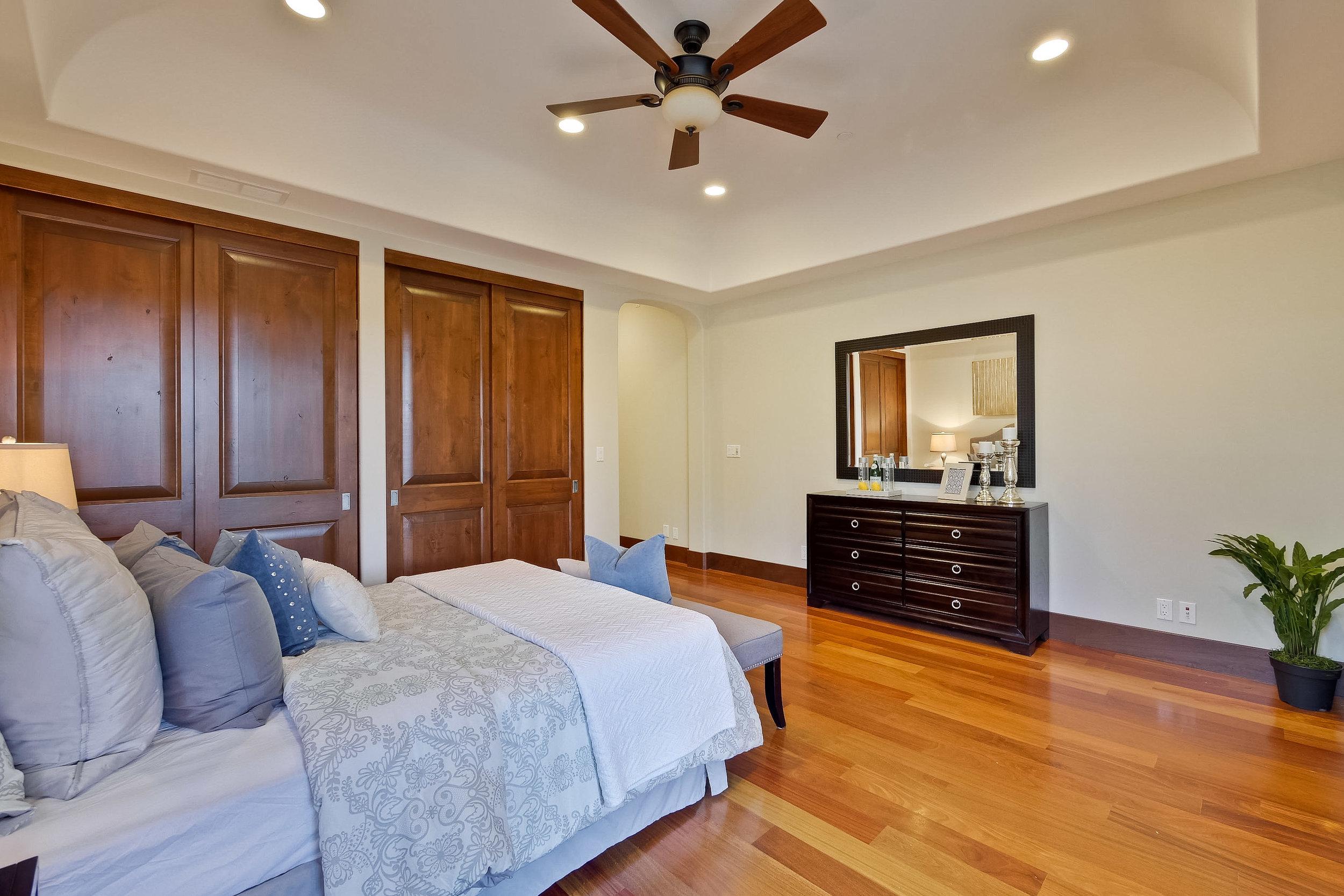 13c_Bedroom      15.jpg