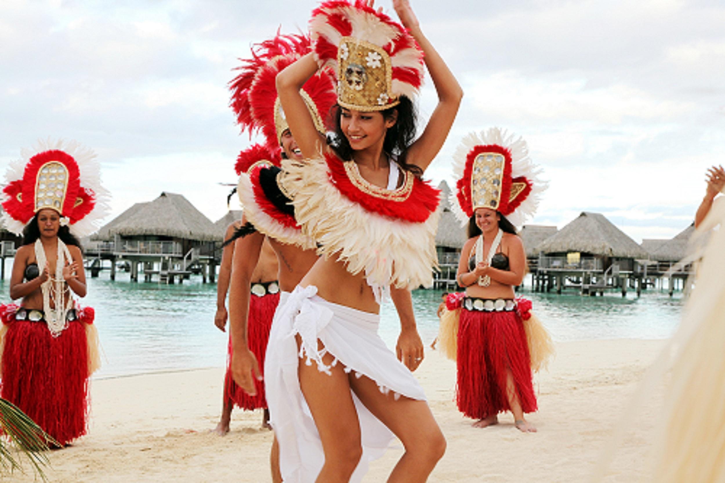 Hilton Moorea Lagoon Resort & Spa - Beach Wedding.jpg