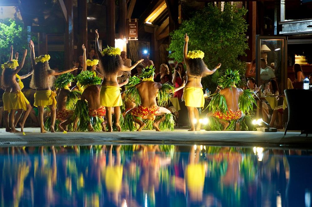 MOPR - polynesian dance show (2).jpg