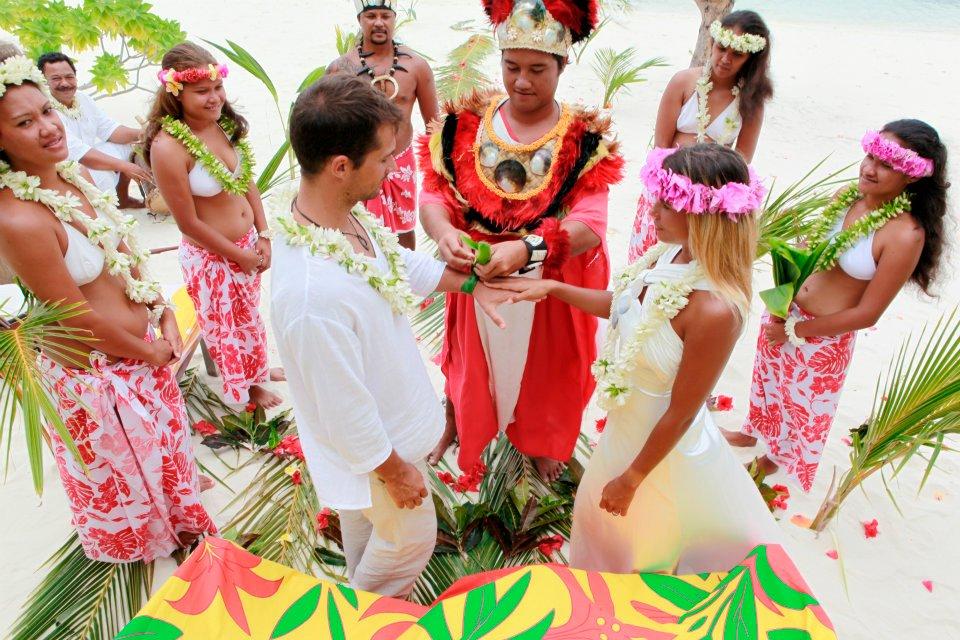 Traditional wedding in Tahiti