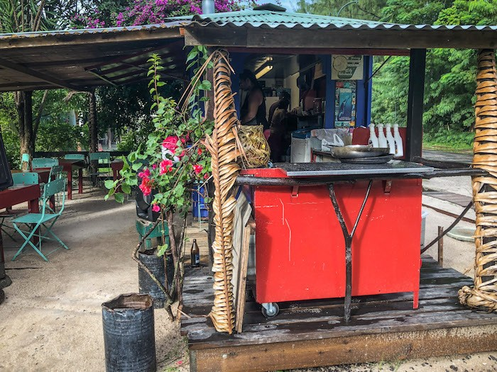 Fred's roulotte – L'Heure de Sud, near Nelson Campground, Moorea.