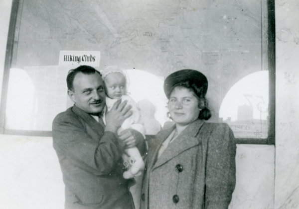 Ernie and Grete and their daughter, Daisy, in San Fransisco, shortly before they immigrated to Fresno