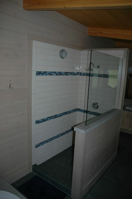 Master bedroom rain shower