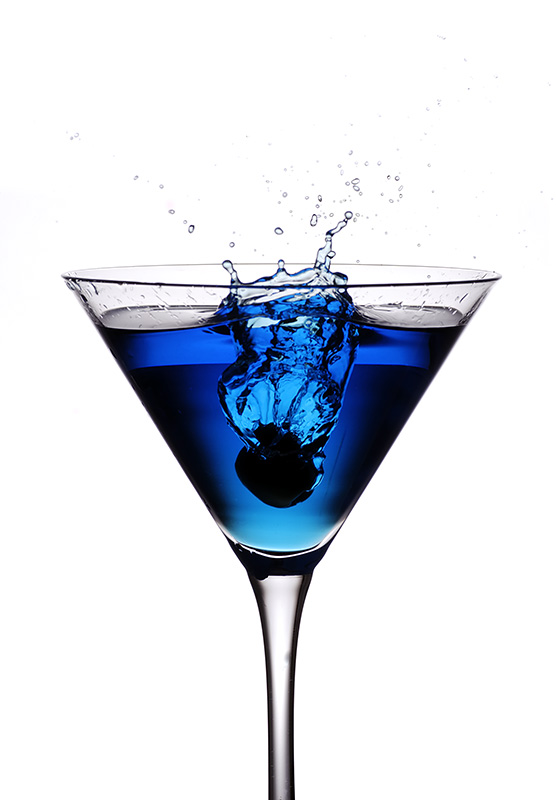 blue-cocktail-olive-splash.jpg