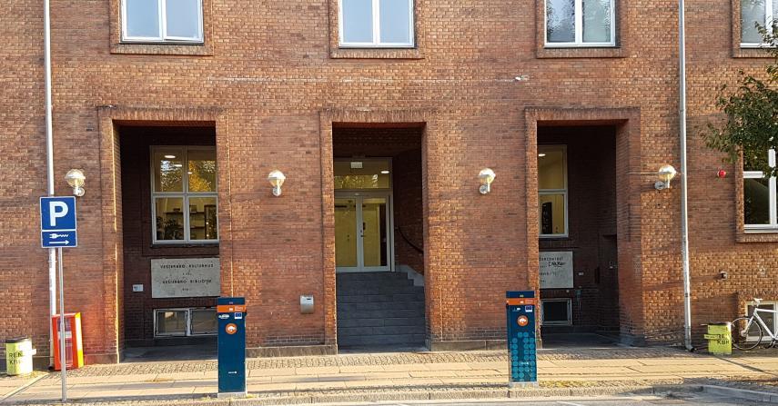 Vesterbro Bib.jpg