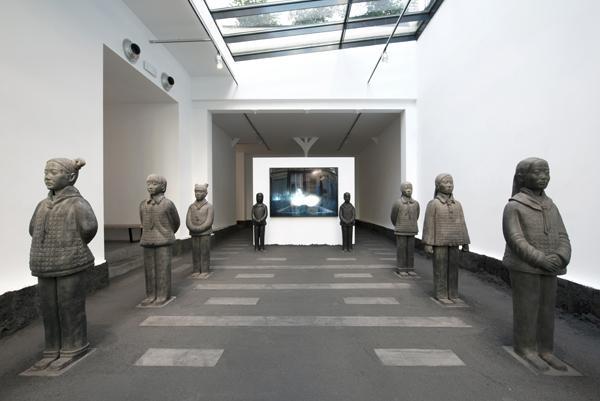 Contemporary Archeology , Prune Nourry, vue de l'exposition, image courtesy Galerie Daniel Templon