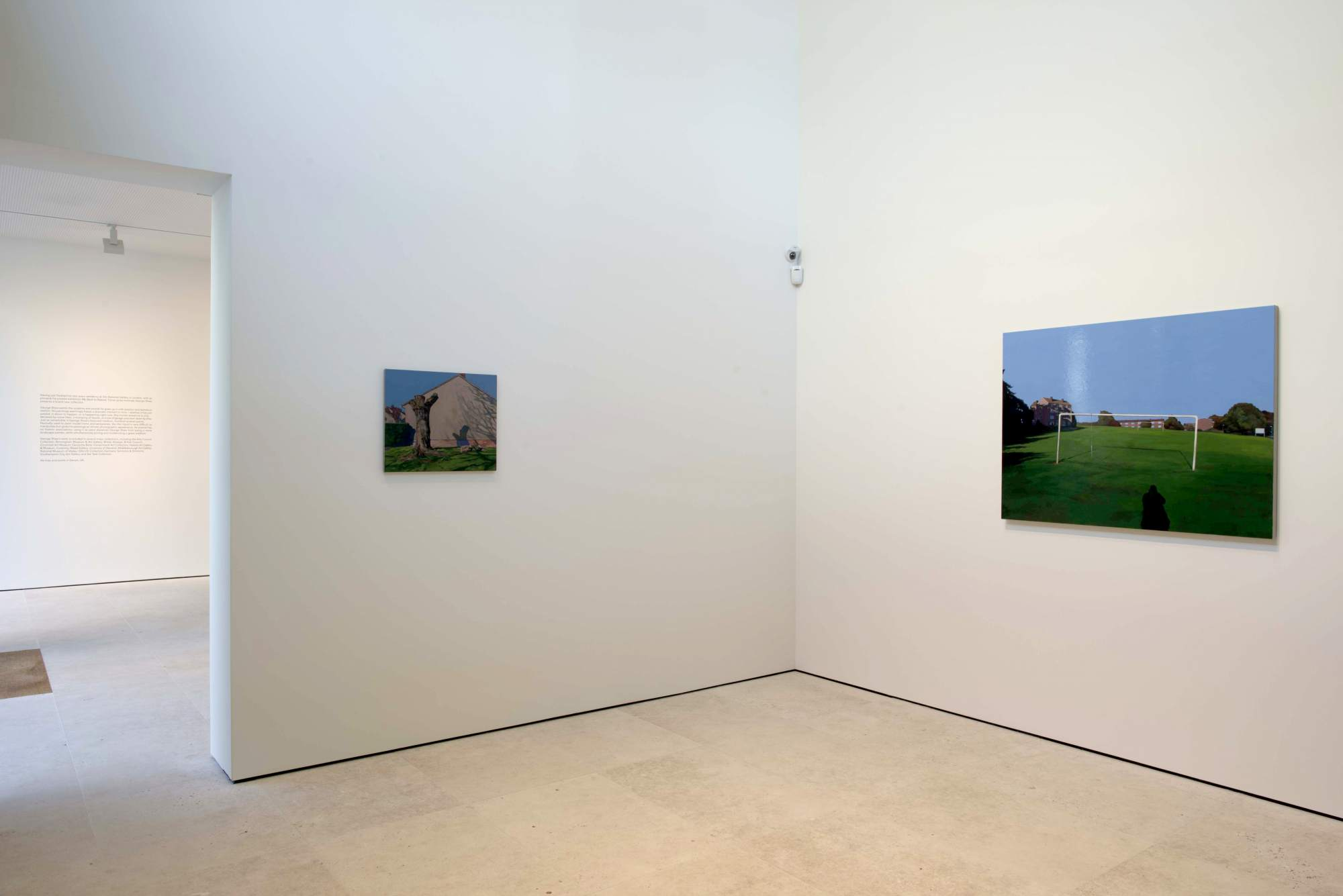 George Shaw,  The Lost of England , Galerie Maruani Mercier, vue d'exposition. Image courtesy Galerie Maruani Mercier