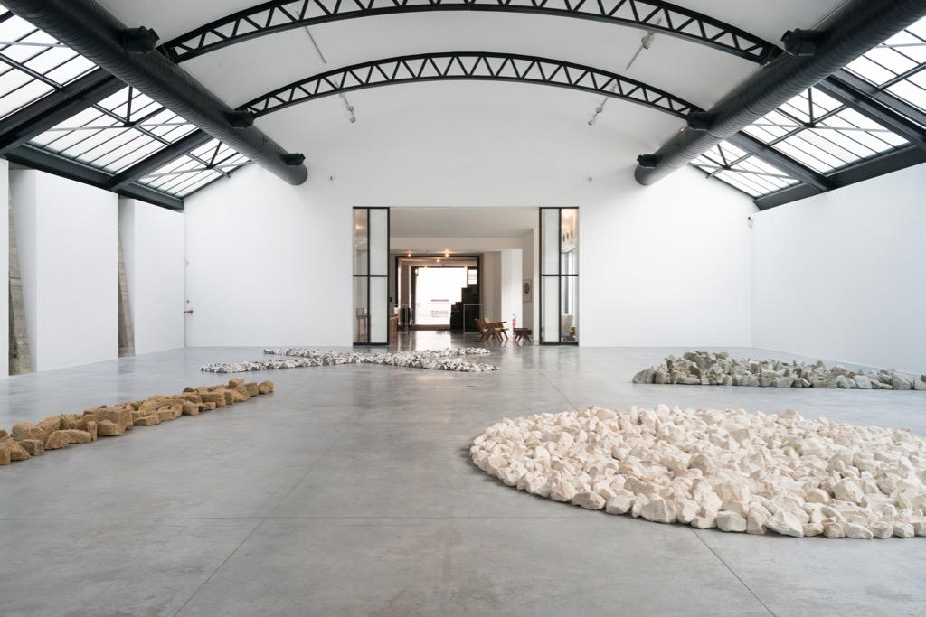 Richard Long,  Along The Way,  vue d'exposition, Fondation CAB. Image courtesy: Fondation CAB