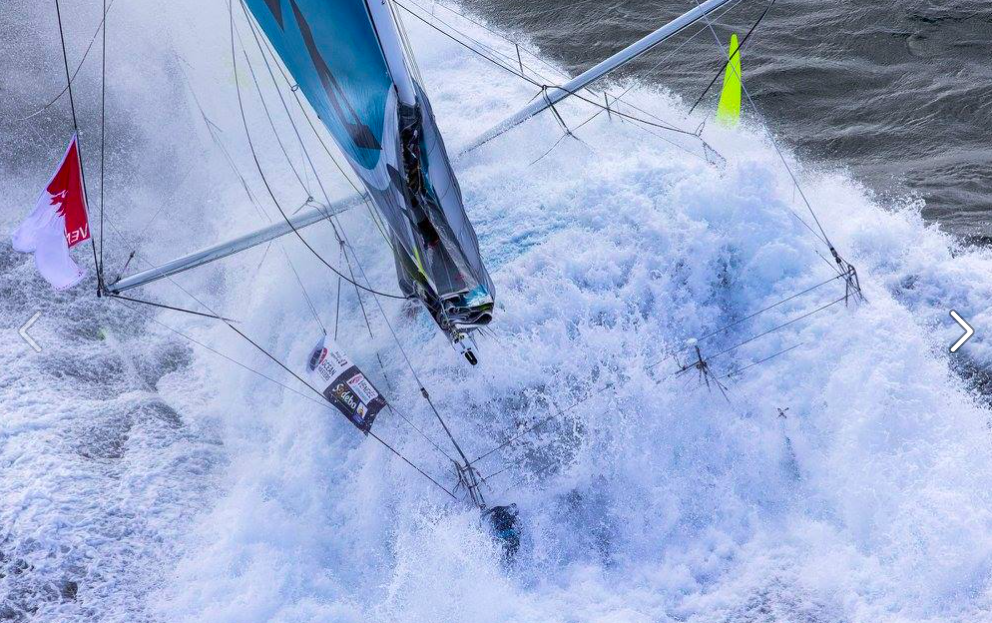The Vendee. Who wants to be a hero. Amazing Image @jeanmarieliot of Safran