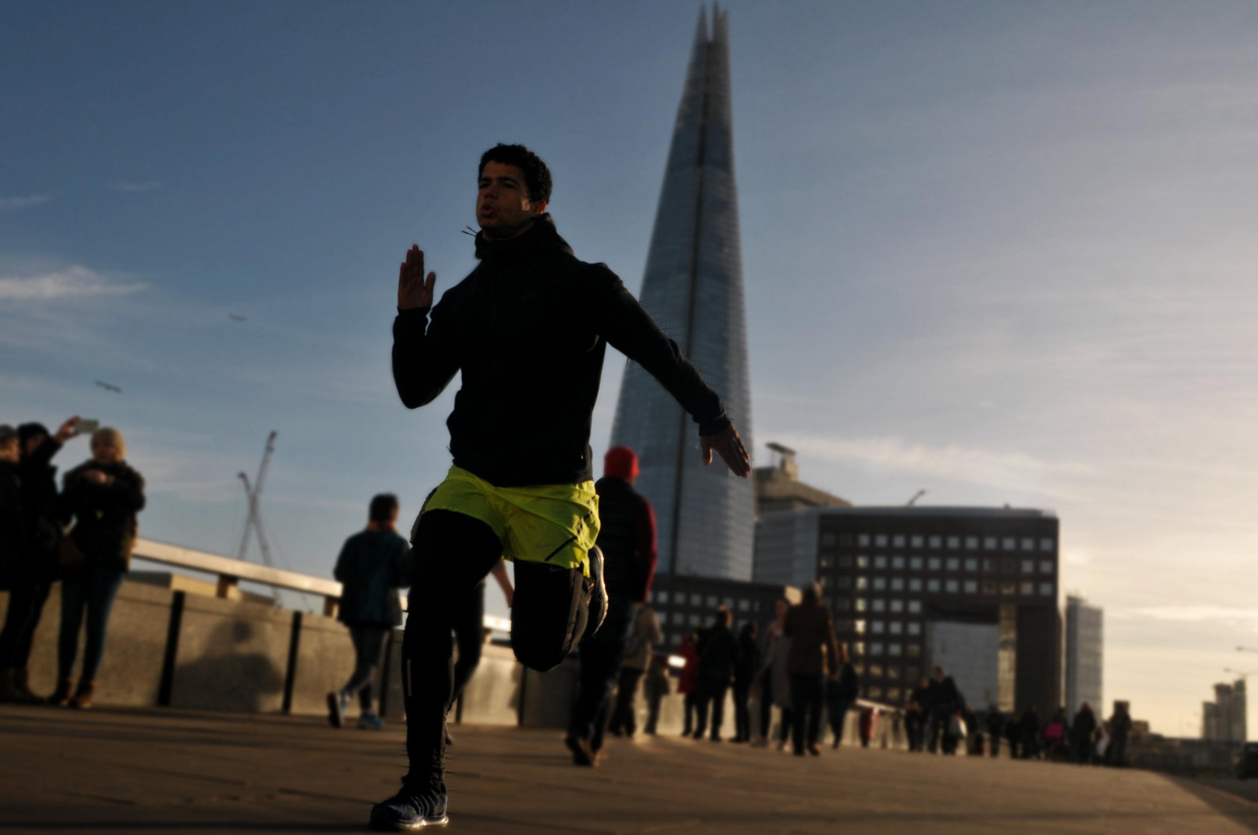 Personal Trainer London Bridge Samuel Figueroa.jpg