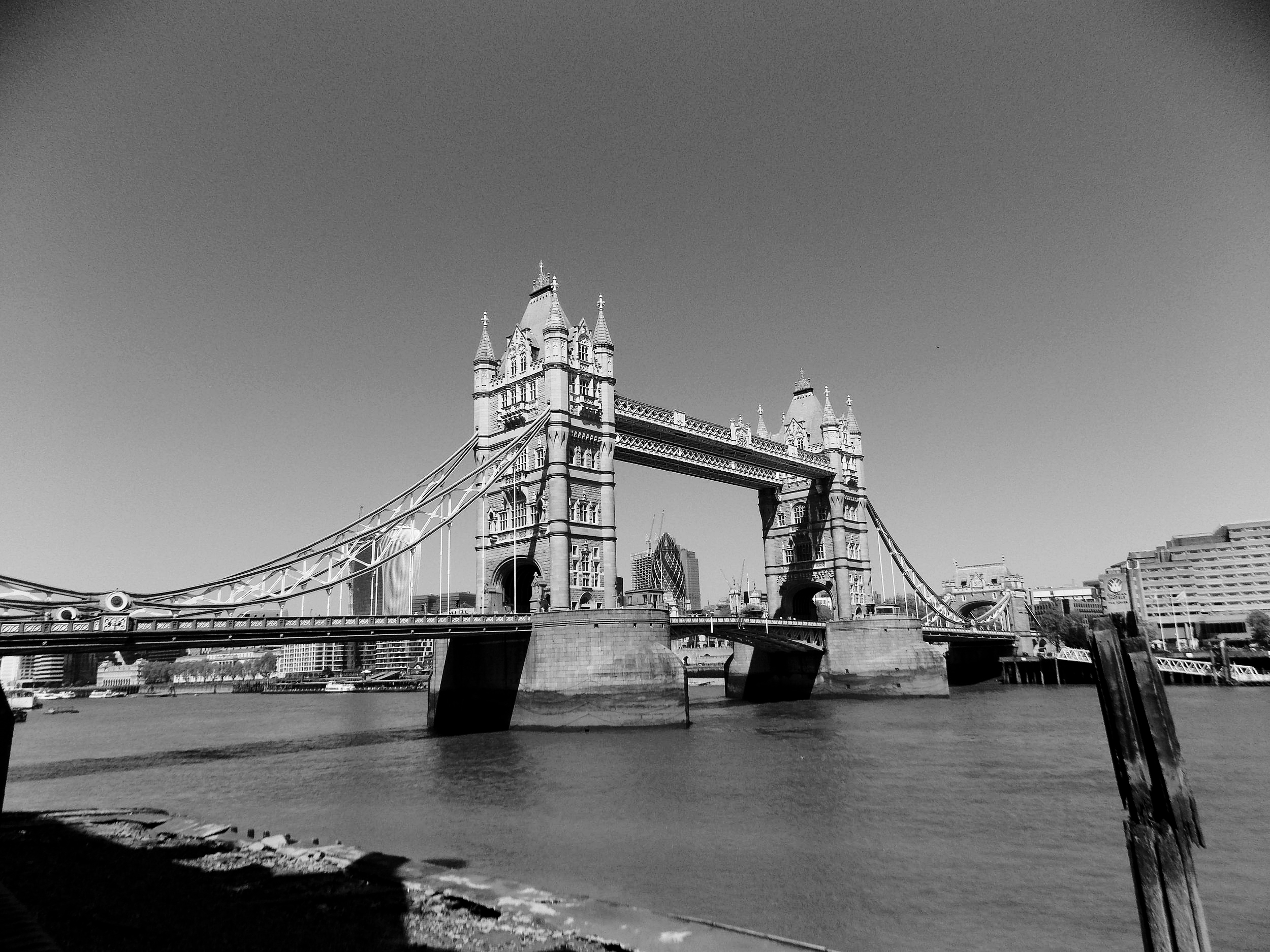 Personal Trainer London Tower bridge Samuel Figueroa
