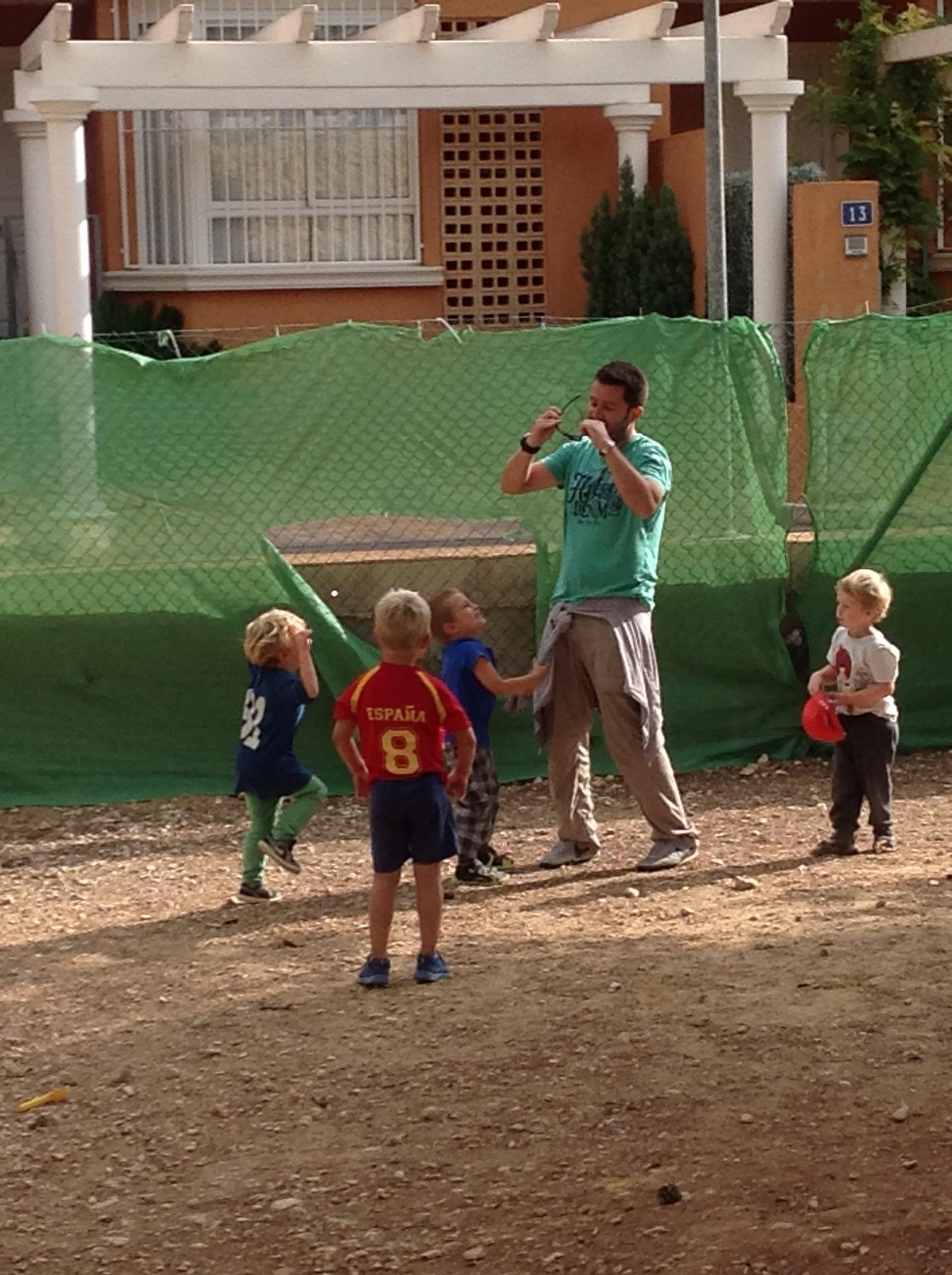På besøk i barnehagen.