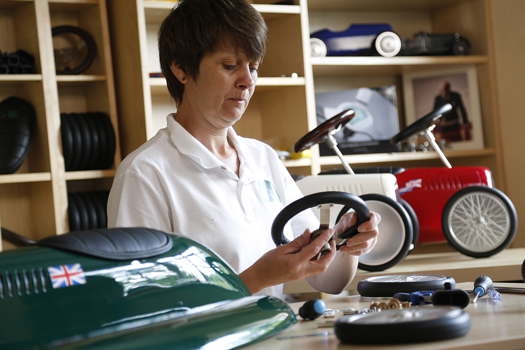 Fitting the hand stitched leather steering wheel