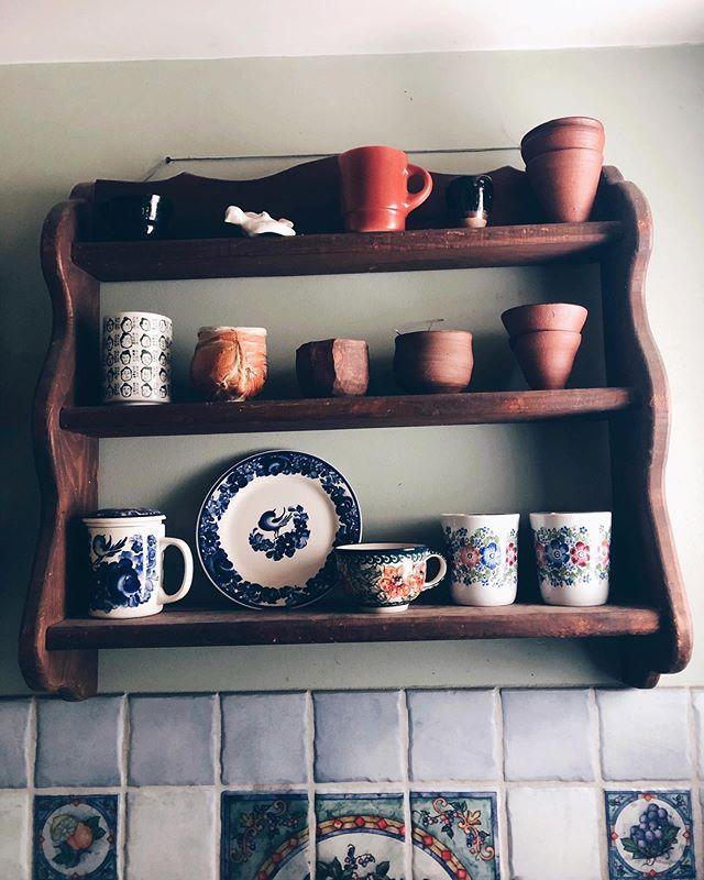 teaware in the kitchen of @senearthenware . . . #teacup #clay #pottery #mug #ware #ceramics #throw #wheel #kiln #tea #catskills #newyork #newyorkstate #ny #catskill #kitchen