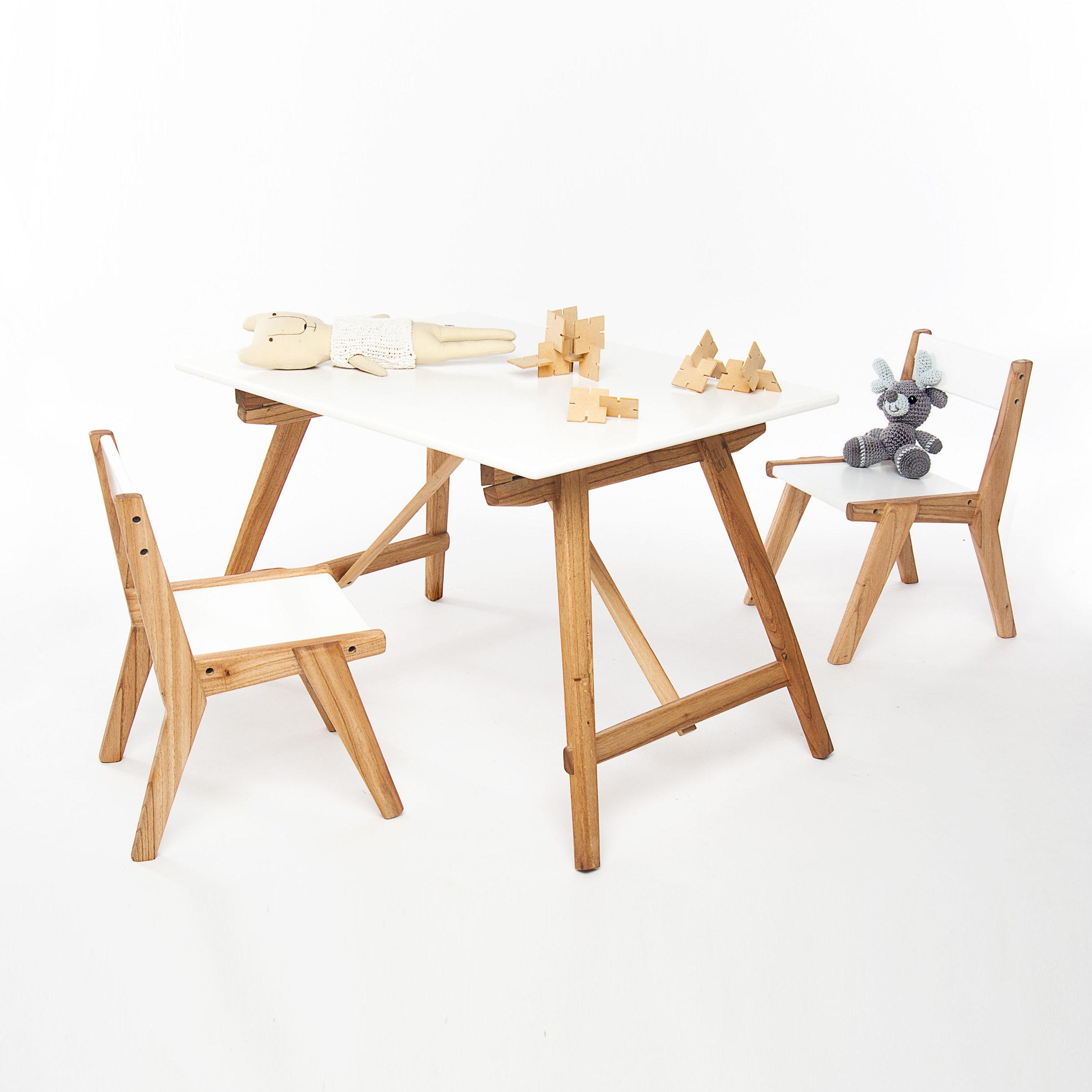 Mesa plegable + 2 sillas