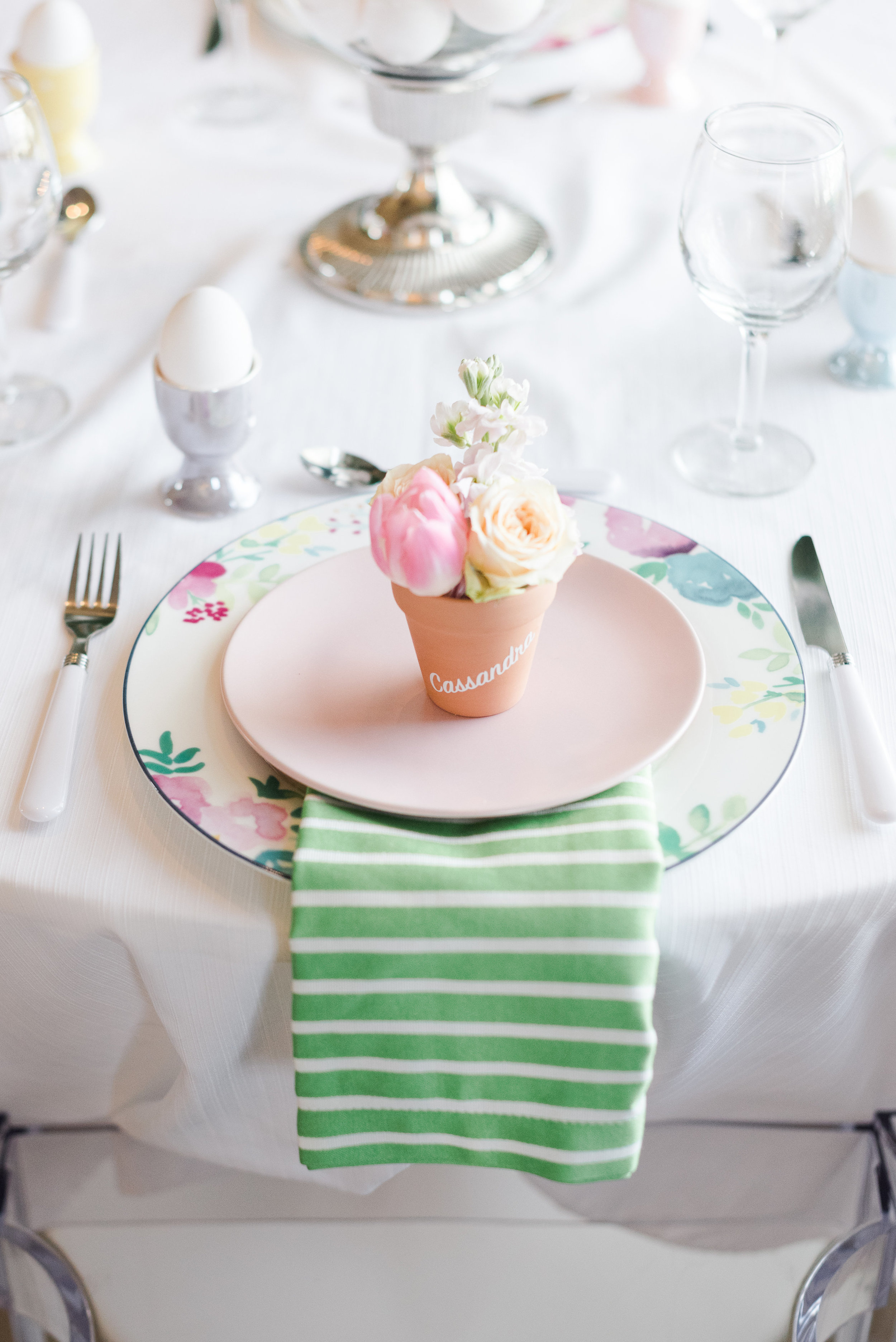 Easter and a delicious brunch spread go hand in hand and Event Prep + Gardenview Flowers are serving up a pastel version that will inspire many a floral-filled tablescape come Spring!