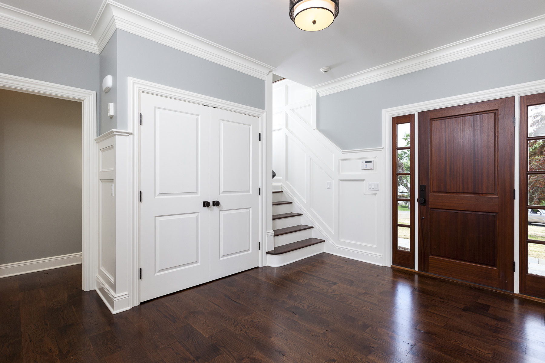 1st-Floor-Foyer-05.jpg