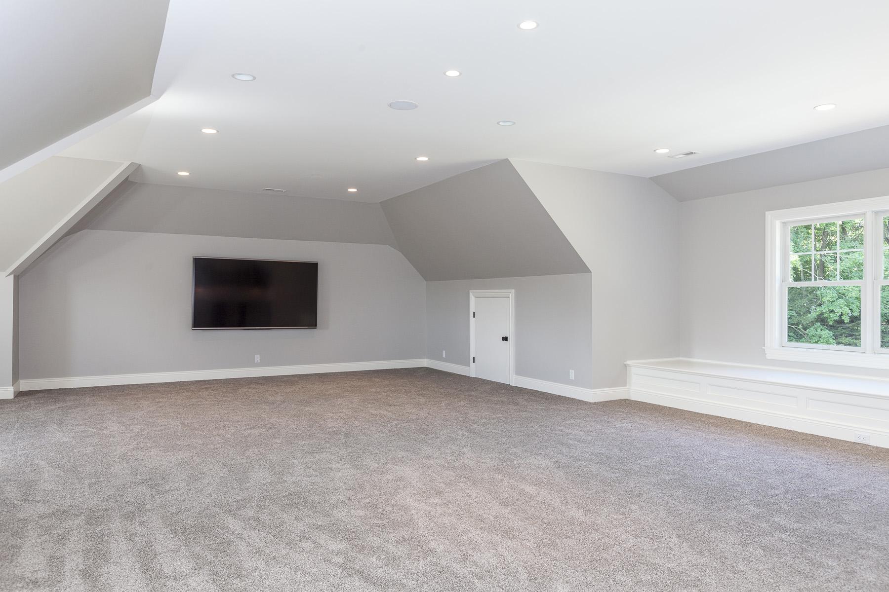 3rd-Floor-Family-Room-03.jpg