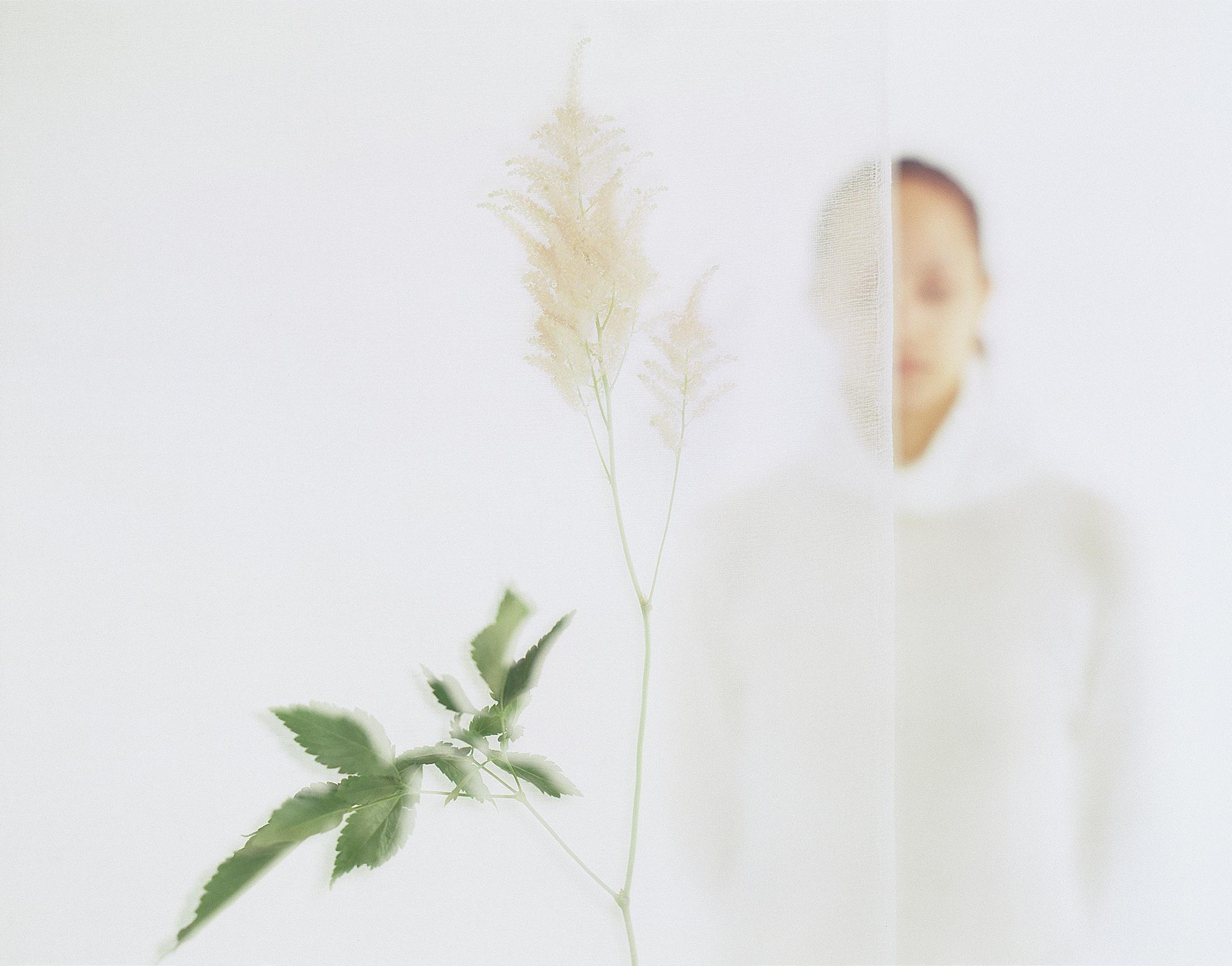 PARFUM_elle&gaze&fleur_001©AudeSIRVAIN.jpg