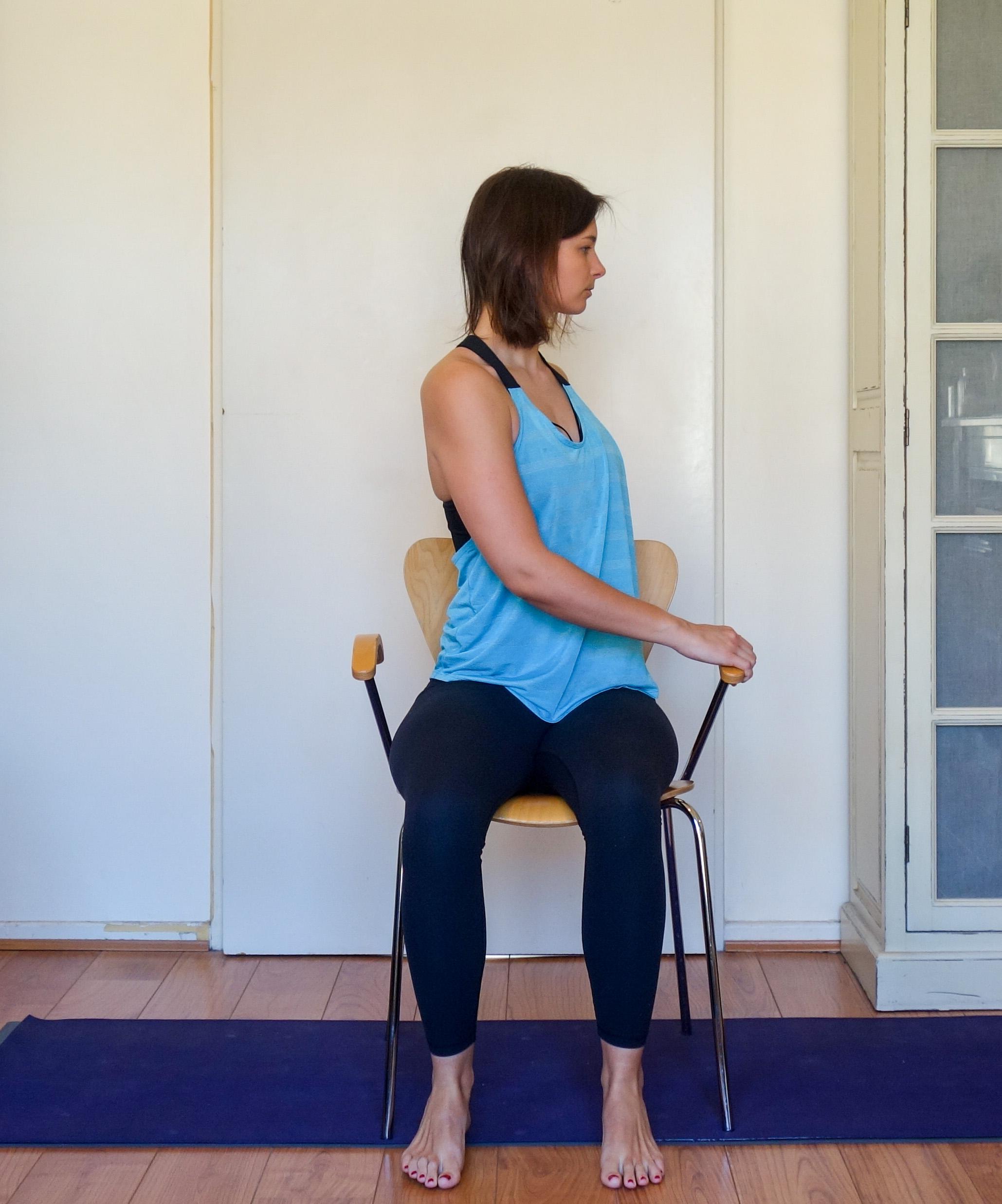 seated twist 1.jpg
