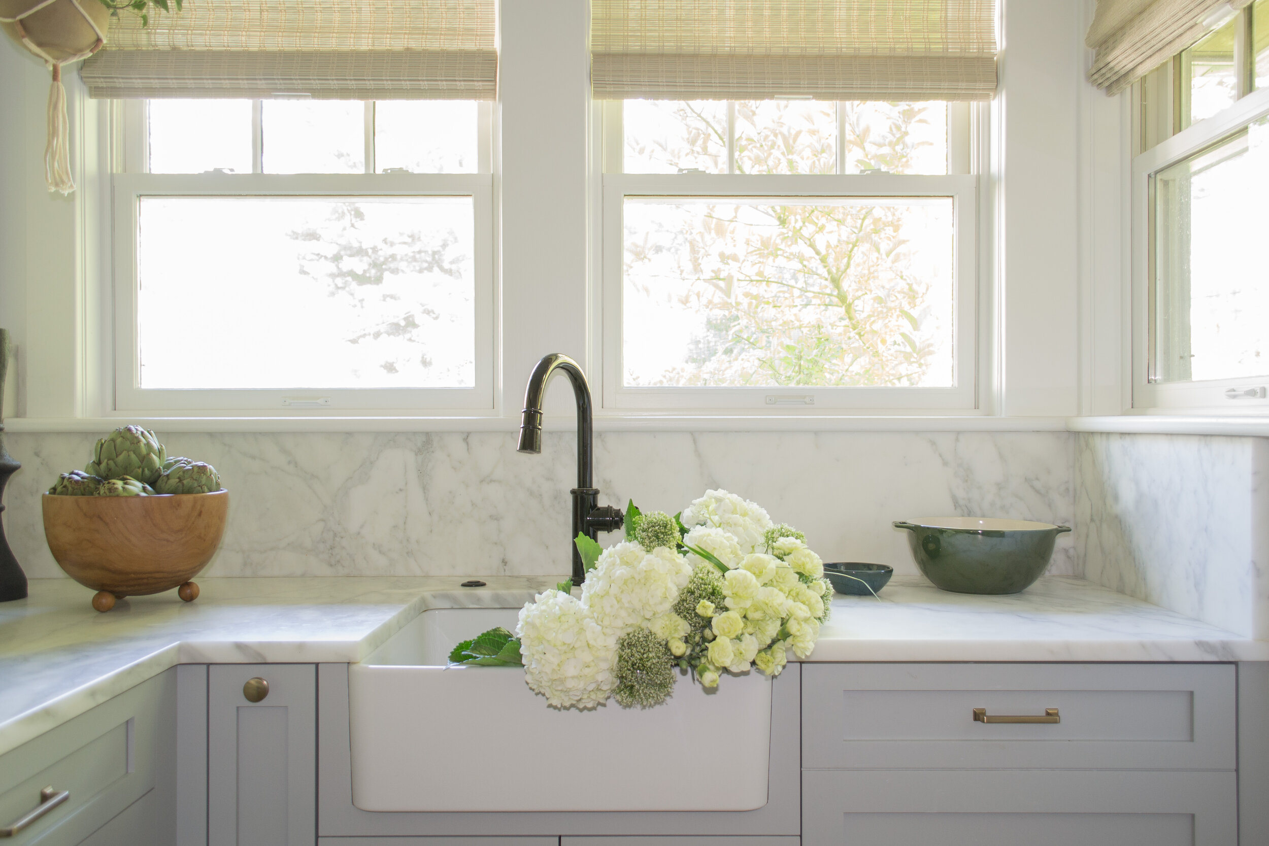 kitchen-gray-modern-tc-interiors-4.jpg
