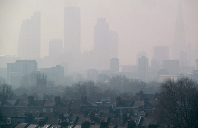 December 5, 1952: The Great Smog smothers London