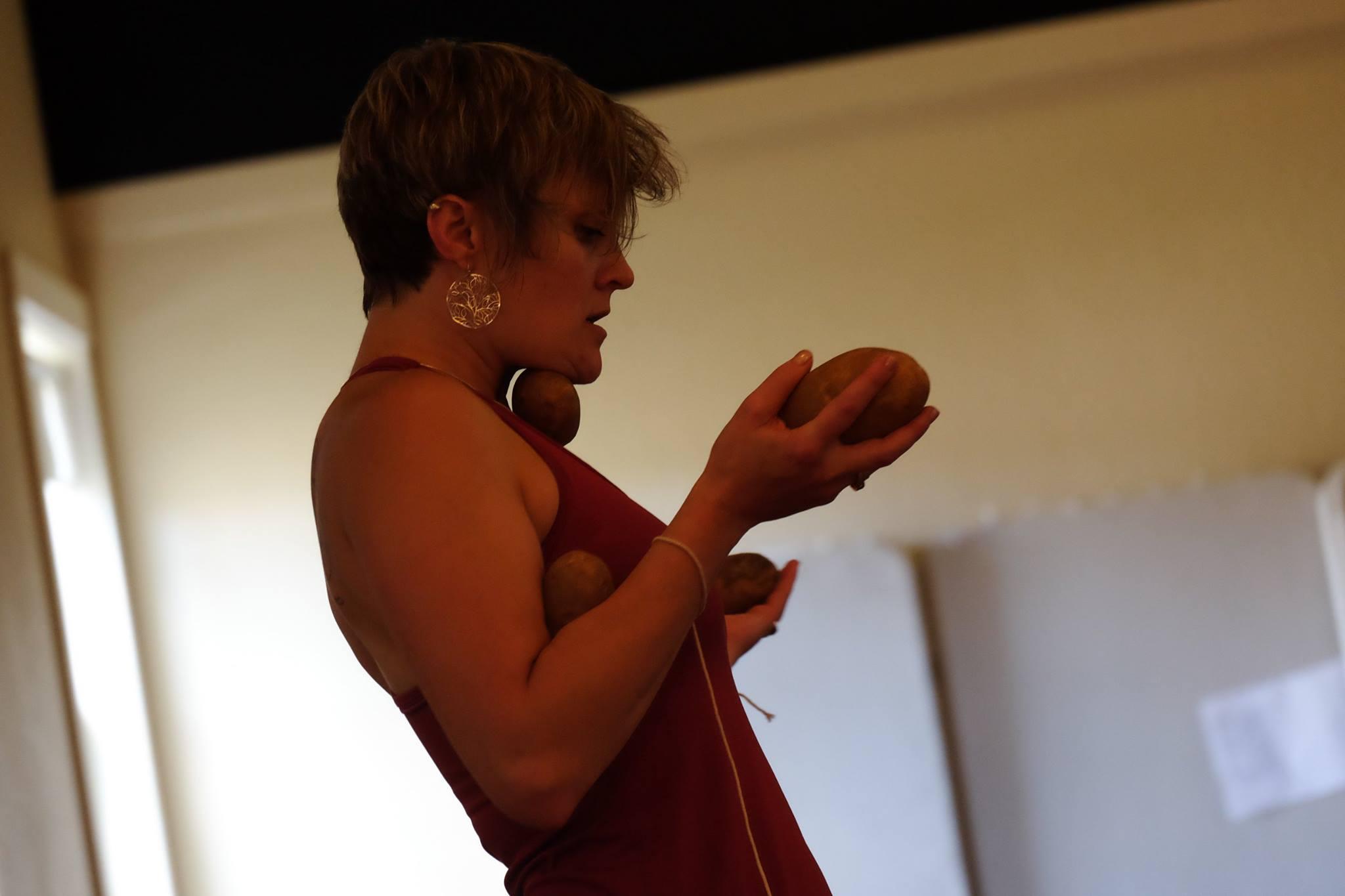Body Ritual Movement , Butoh Ritual Mexicano workshop led by Diego Piñón (2016) PC: Laiwan (Goddard College)