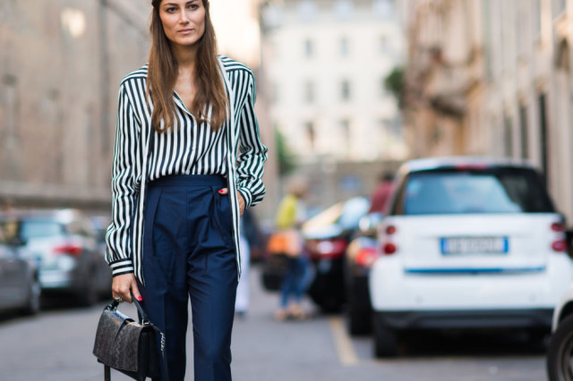 bold-stripes-high-neck-pants-tie-neck-blouse-fall-work-outfit-vmilan-fashion-week-elle-navy-and-black-640x426.jpg