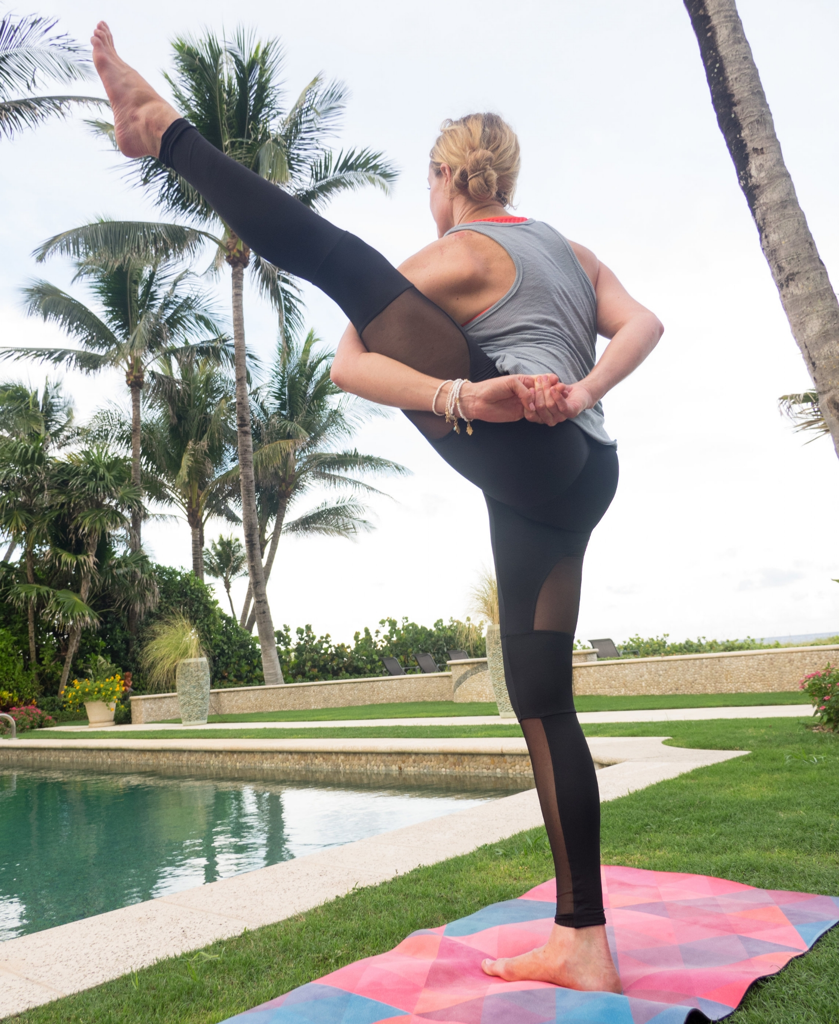 Bracelets-->  Jewelry Yoga    Yoga Mat-->  Zura Yoga    Apparel-->  Onzie  &  Free People