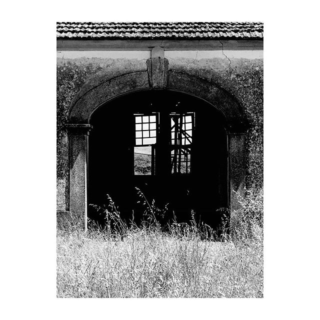 #DouroValley #Provesende #Portugal #OldHouse #Window #BlackAndWhite #Photography