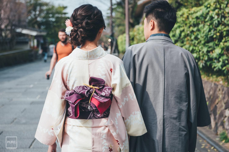 去到京都不免俗總是得來趟和服體驗, 傳統平安京的城市裡,穿上和服走在街上肯定是絕配啊!