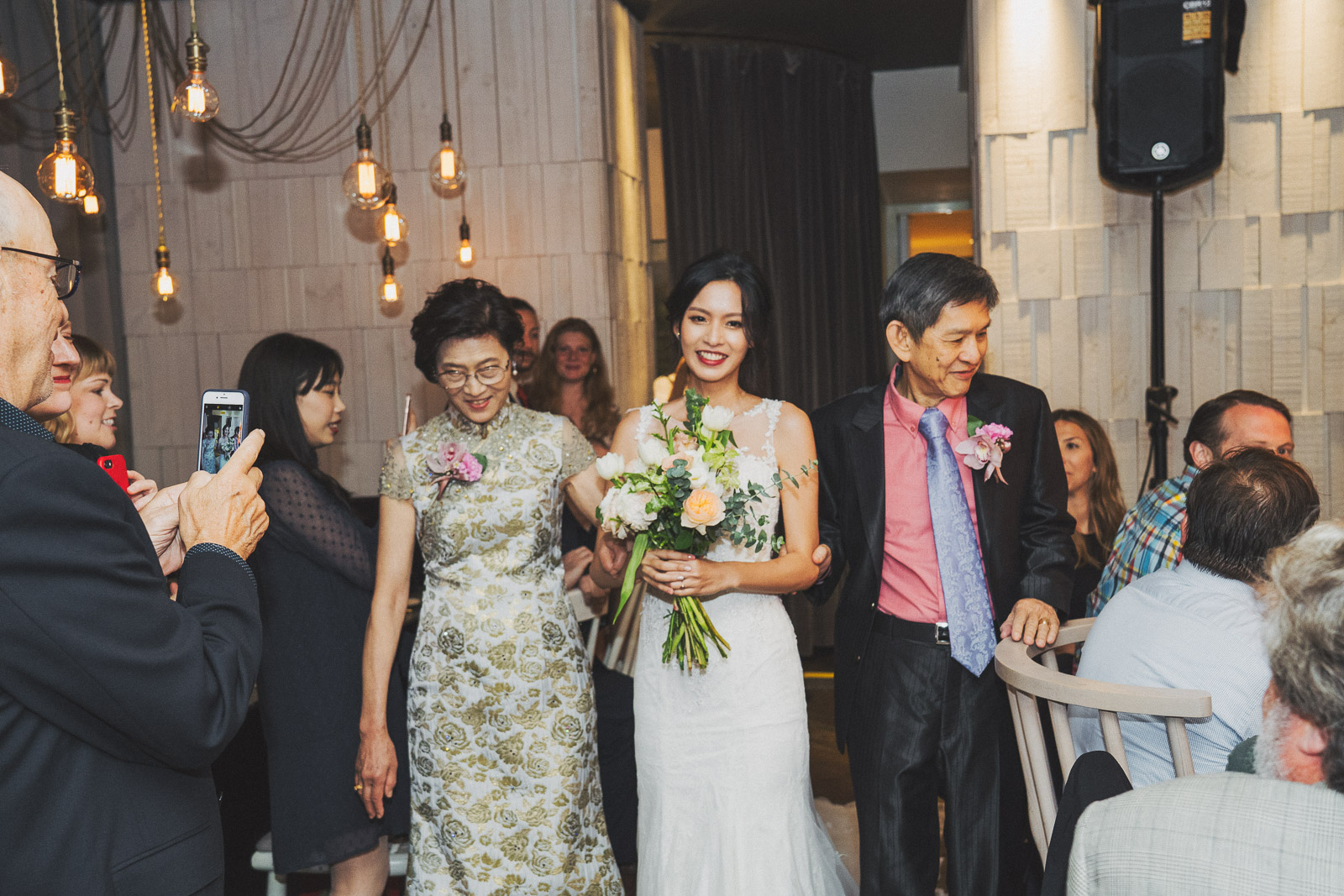 wedding photo grapher