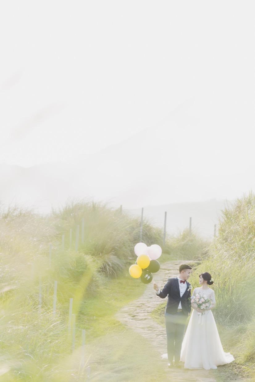 很喜歡這系列擎天岡的照片,光線將草地照的黃澄澄,就像天然的濾鏡柔焦了畫面。