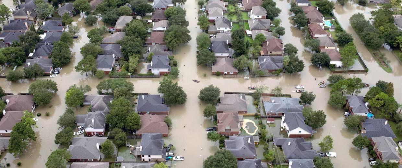 170830-harvey-damage-ac-527p_6c1edde336e93bafee89892915b75172.nbcnews-fp-1240-520.jpg