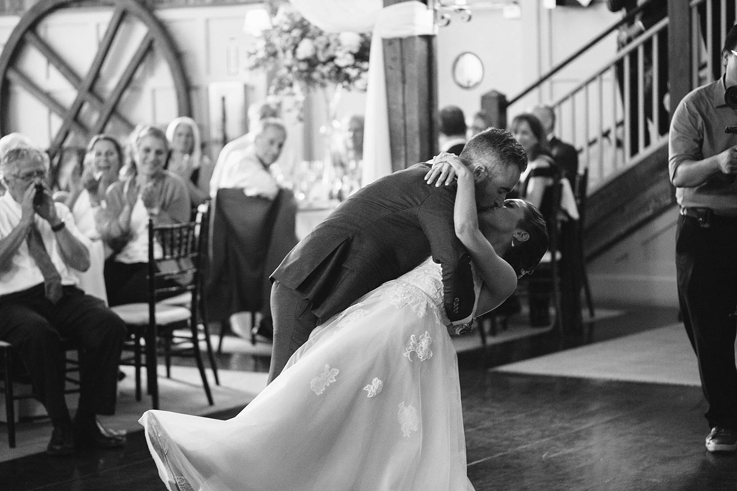MinneapolisWeddingPhotographer_0282.jpg