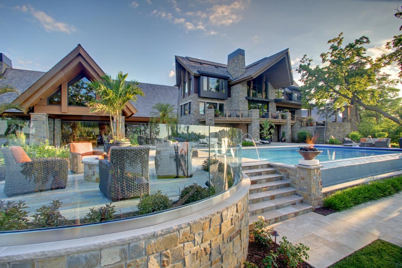 Mom's Design Build - Modern Mountain House Infinity Pool