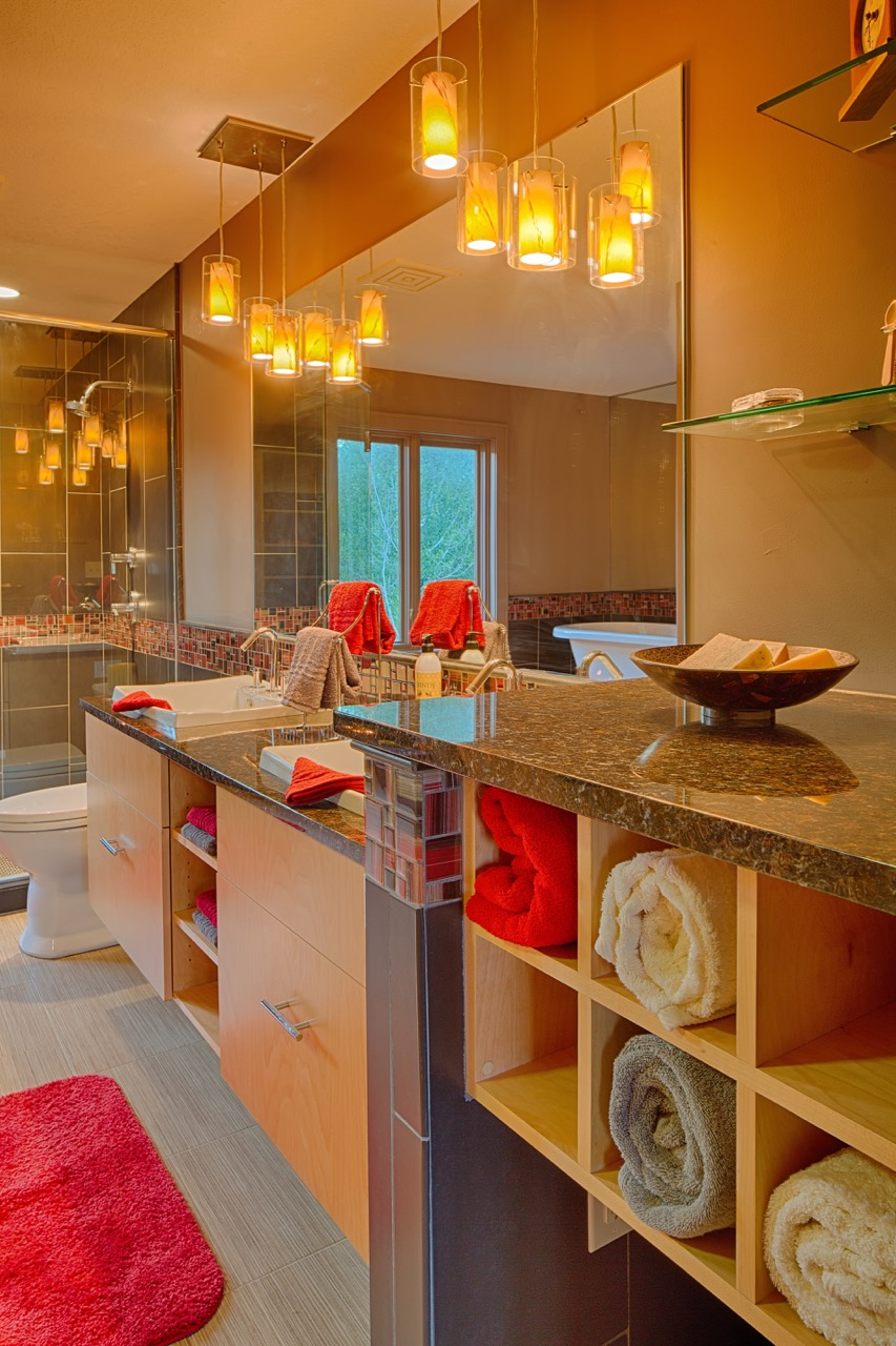 Moms Design Build - Bathroom Remodel